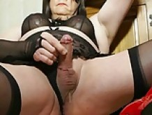 Valisere Crossdresser Shemale cum 3