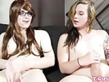 Les trans beauty dickriding ontop in twosome
